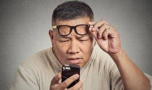 Presbyopia - Simptom, Punca, Diagnosis, Faktor Risiko dan Rawatan