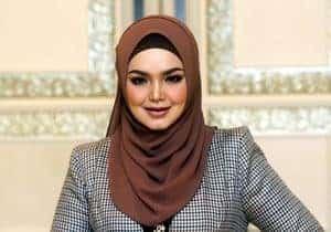 Nasihat Selebriti Terkenal Di Ambang Krisis COVID-19 Kepada Rakyat Malaysia
