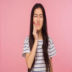 Tips Mengurangkan Kesakitan Pembedahan Gigi Bongsu