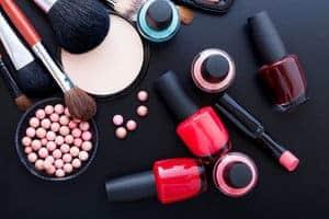 10 Bahan Berbahaya Dalam Produk Kecantikan