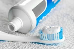 10 jenama ubat gigi yang terlaris di Malaysia