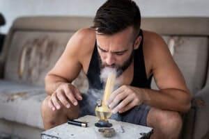 Penyalahgunaan Inhalan di Kalangan Remaja
