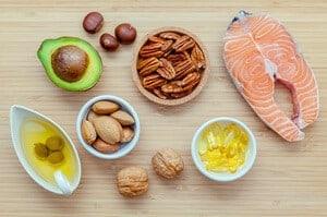 10 Makanan Lemak dan Perbezaannya Untuk Kesihatan Anda