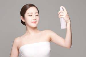 10 Produk Face Mist Terbaik Untuk Menyegarkan Kulit Wajah Anda