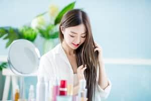 10 Serum Rambut Terbaik Untuk Menguatkan dan Melicinkan Rambut Anda